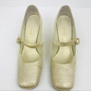 Vintage 1960's gold chunky heel Mary Jane shoes